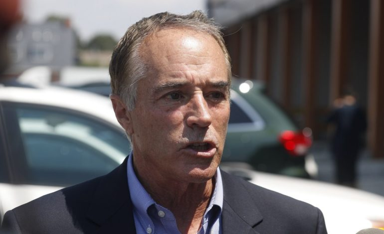 Arrestan congresista Chris Collins por abuso de información